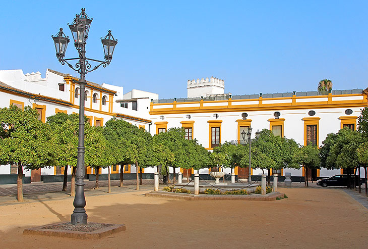Patio de Banderas